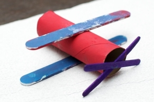 kids-paper-airplanes-5-toliet-paper-roll-plane