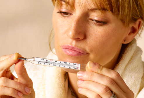 sintomas de fiebre puerperal