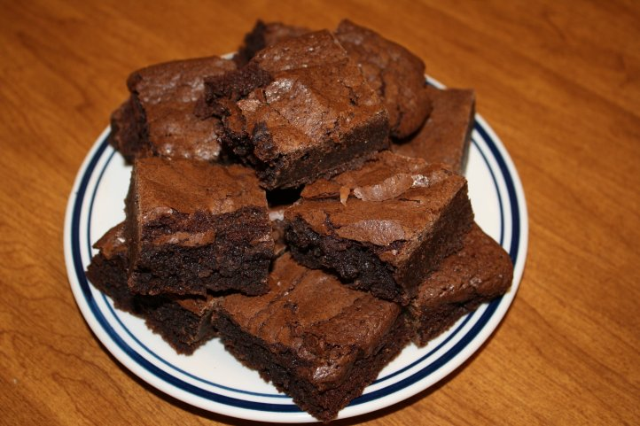 plate-of-brownies